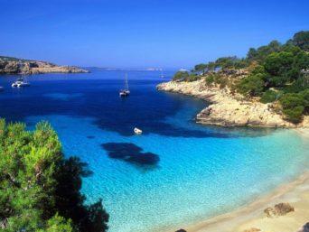 Липосукция в Кипър
