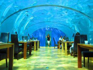 Подводният ресторант